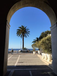 From vieux Nice to the Promenade